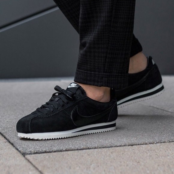 new concept 9ddd5 556ba Brand New Nike Classic Cortez Suede Black